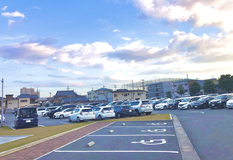 神戸新聞ハウジングセンター駐車場