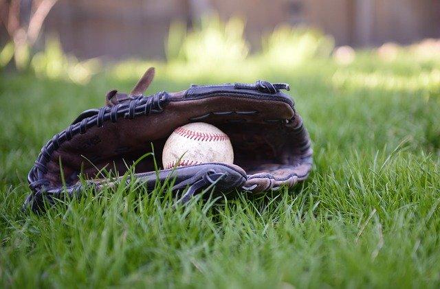 草野球ピッチャー